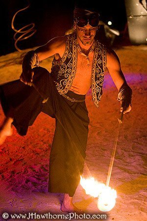fire-dancer-diabolo-vaudeville-theme-artist-festival-event-entertainer